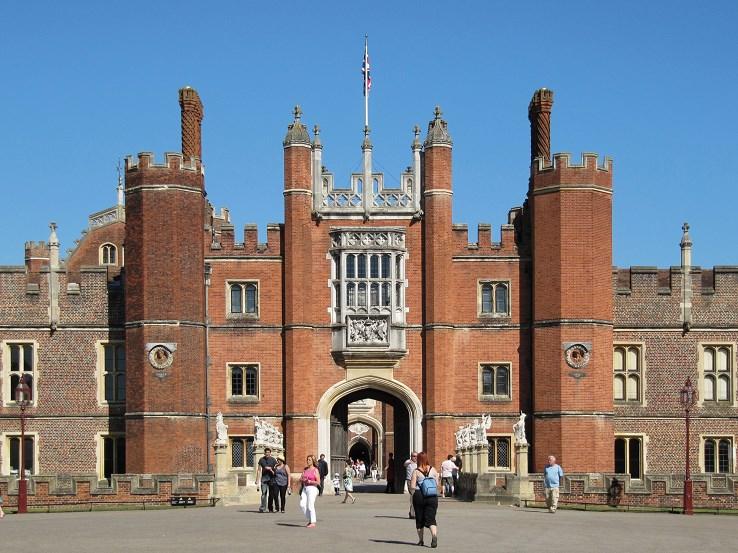 london explorer pass Great Gate Hampton Court Palace
