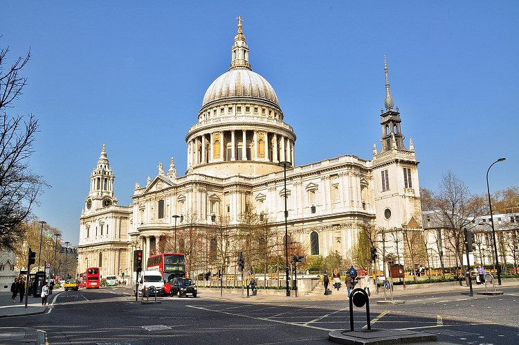 london explorer pass St Paul Cathedral