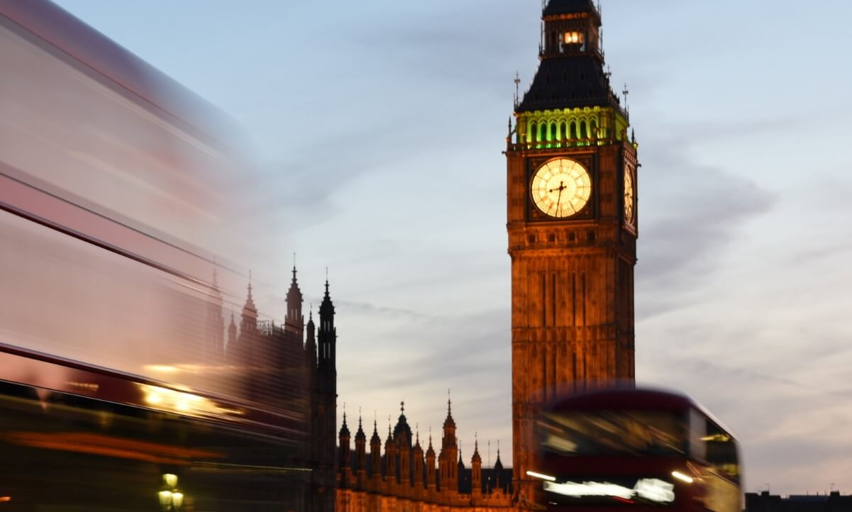 Cheap travel to London city