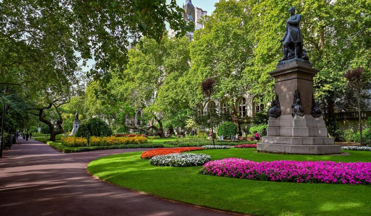 Park in London in fall